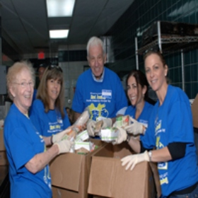 Miami Gives Back During Third Annual Jewish Community Volunteer Day