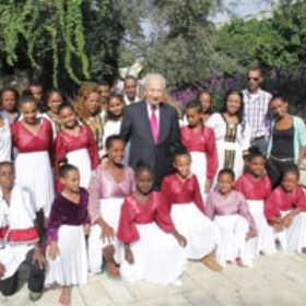 Pardes Channa-Karkur Dance Troupe Performs at Shimon Peres' Sukkot Event