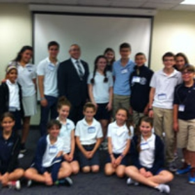Federation's Youth Ambassadors Learn About Israel Advocacy, Holocaust Education on Spring Mini-Mission