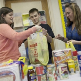"Jewish Families in Need Receive a ""Helping Hand"" With the Cost of Kosher Food"