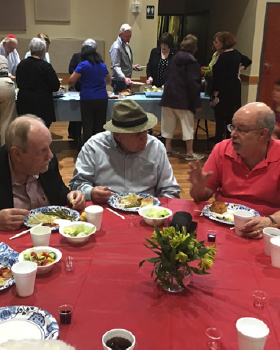 Shabbat Dinner Club Offers Connection for Seniors