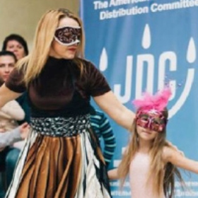 Federation Helps Ukrainian Jews Celebrate Purim