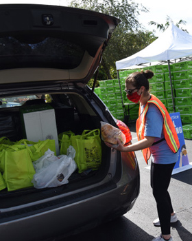 Federation Hosts Second Kosher Food Drive-Thru